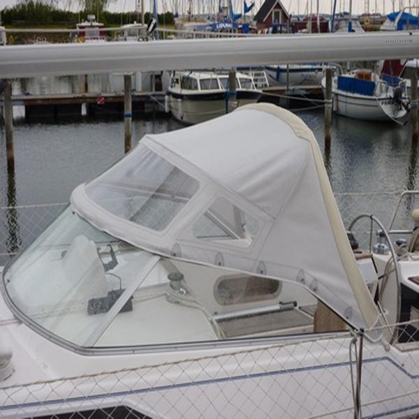 Reparation af kaleche til båd